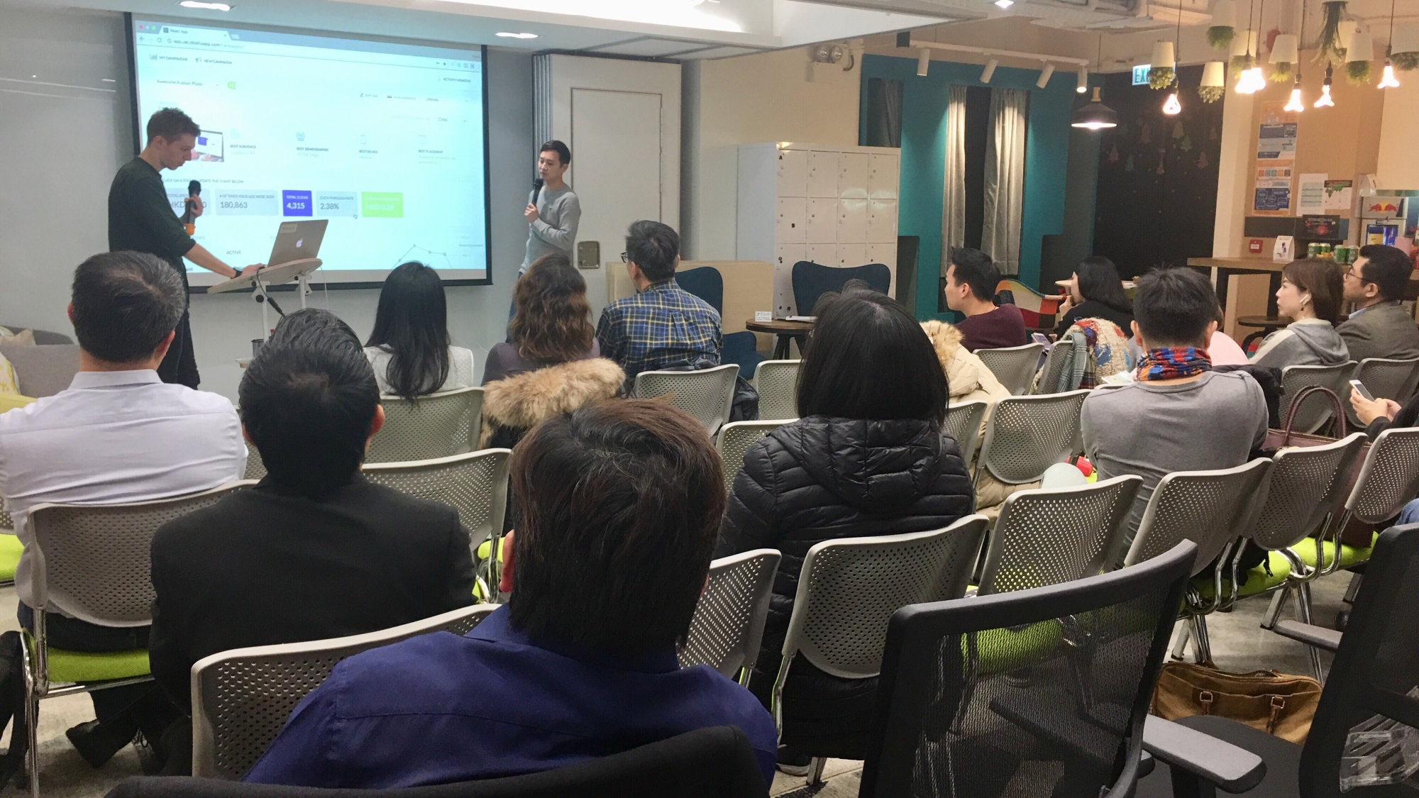 Picture of the attendance, Raymond Yip, and Xavier Schillinger on 18.12.2017 at Clickful facebook advertising workshop in hong kong
